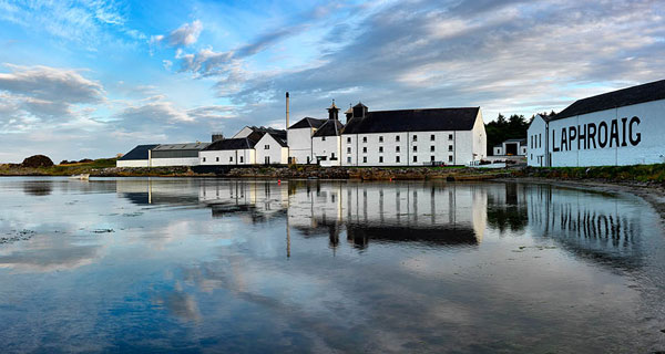 Destillera de whisky Laphroaig (Foto: lenstalk.com)